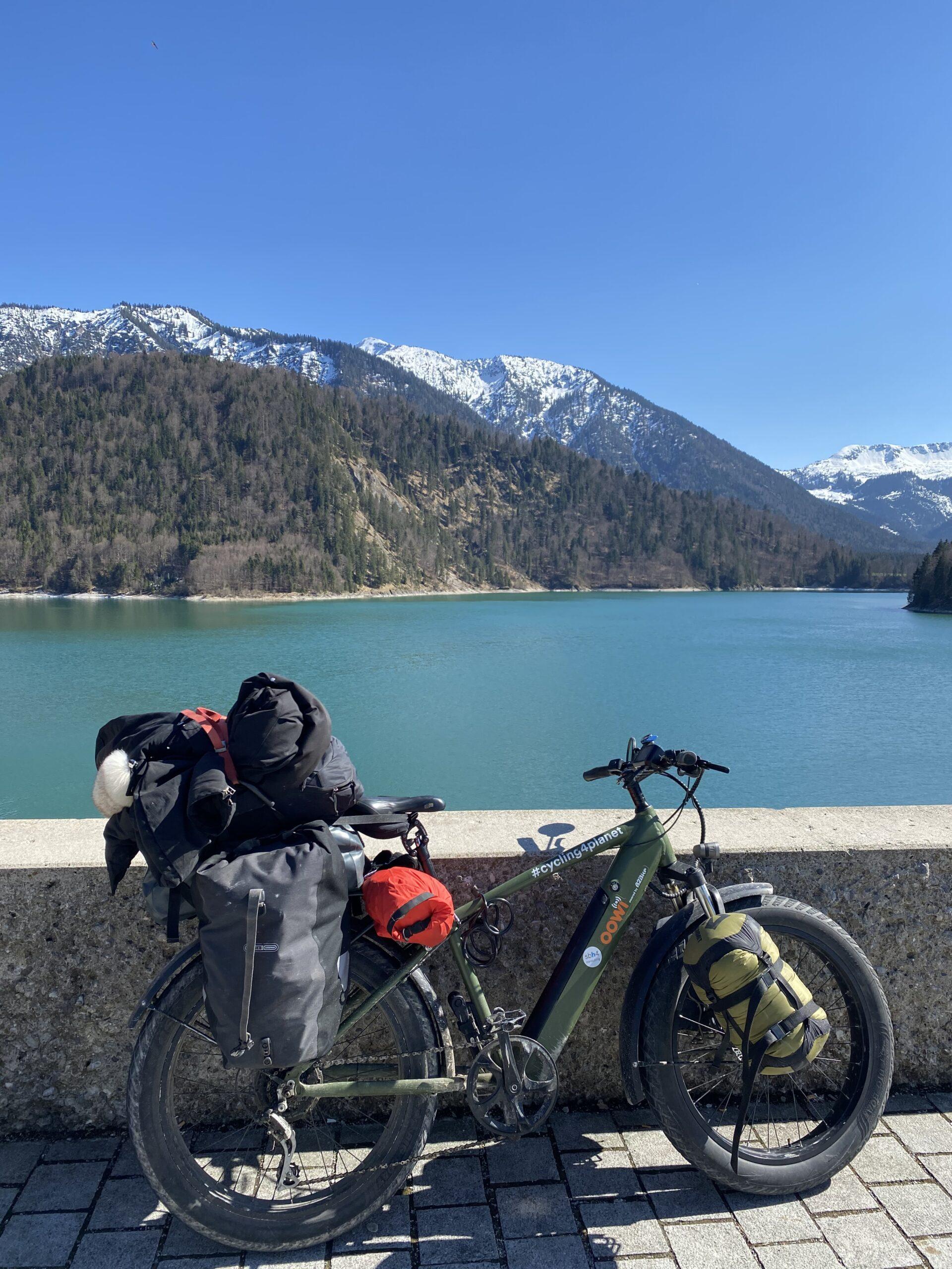 neige_alpes_vélo_lac