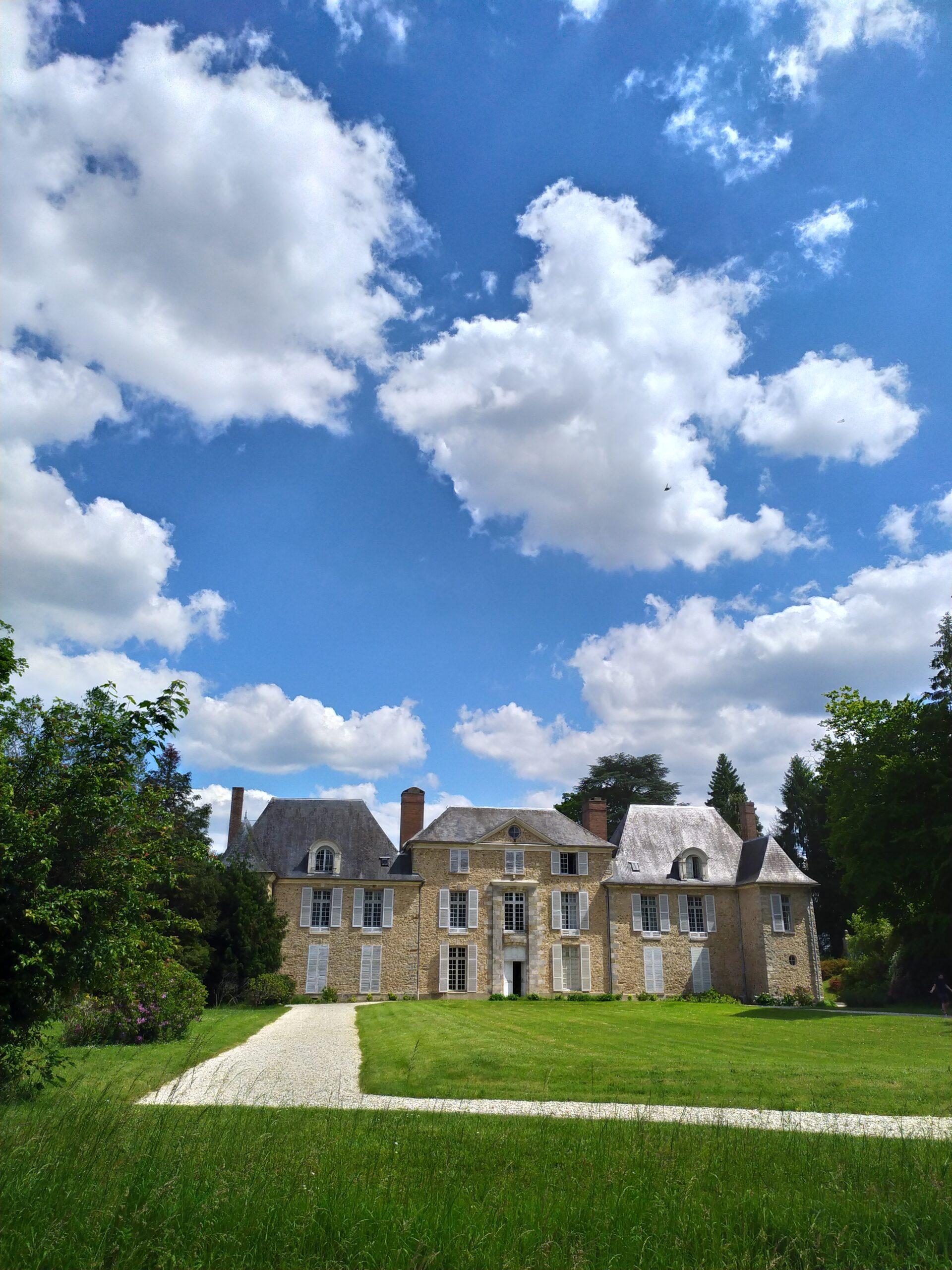 château_Saint_Vincent_pelouse