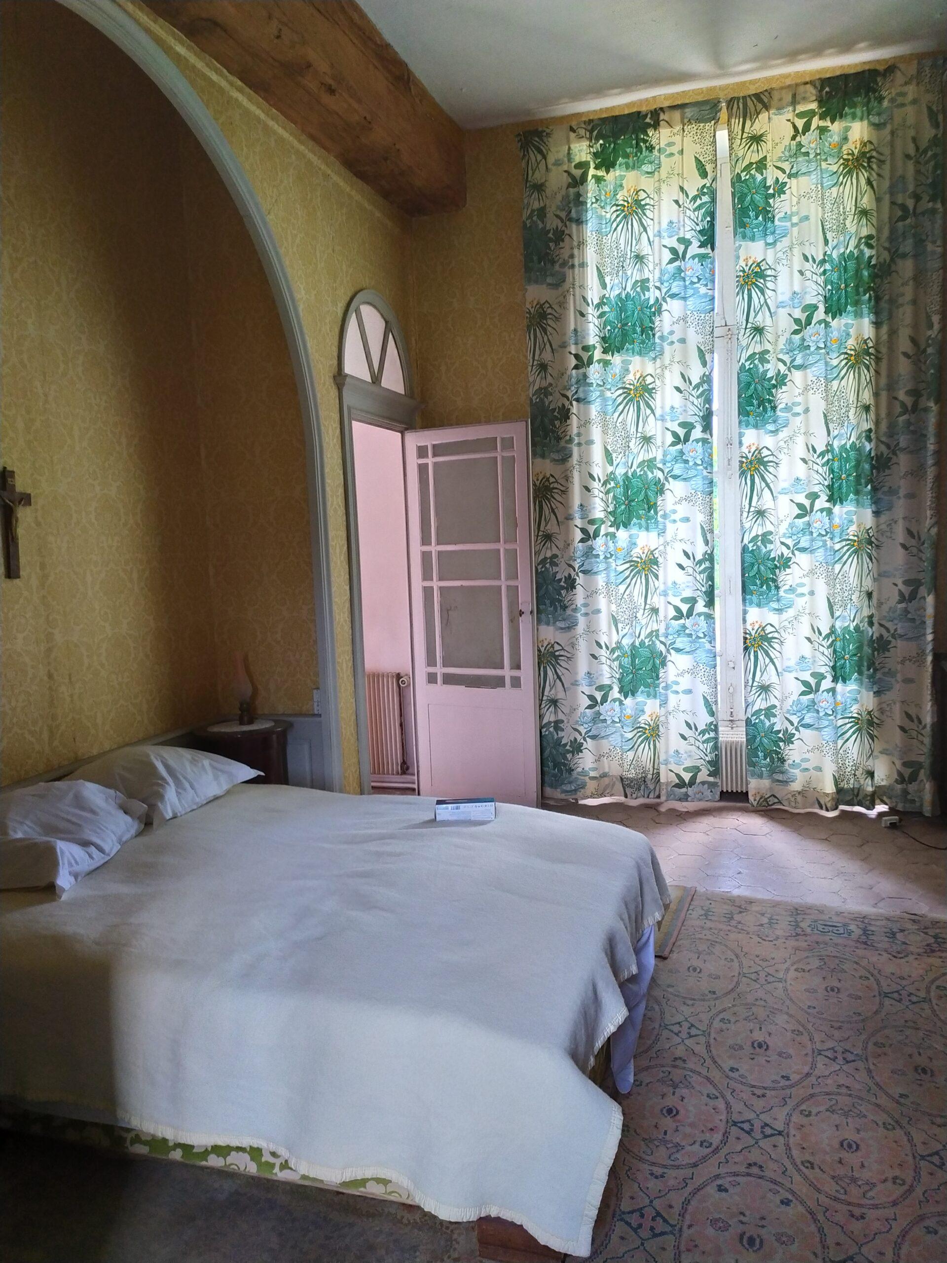 chambre_château_lit