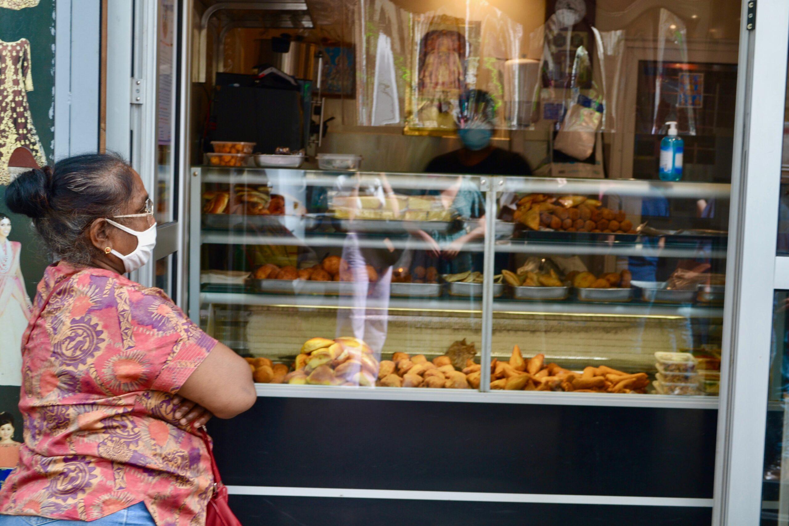 femme_indienne_street_food