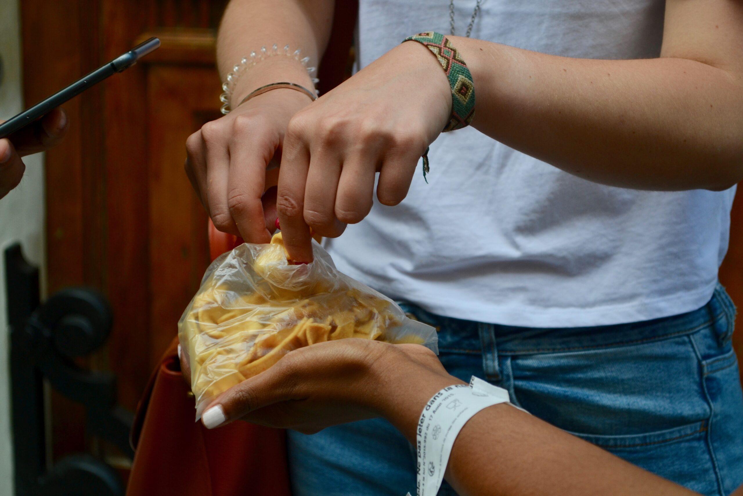 Ribbon pakoda_Ganesha Sweets