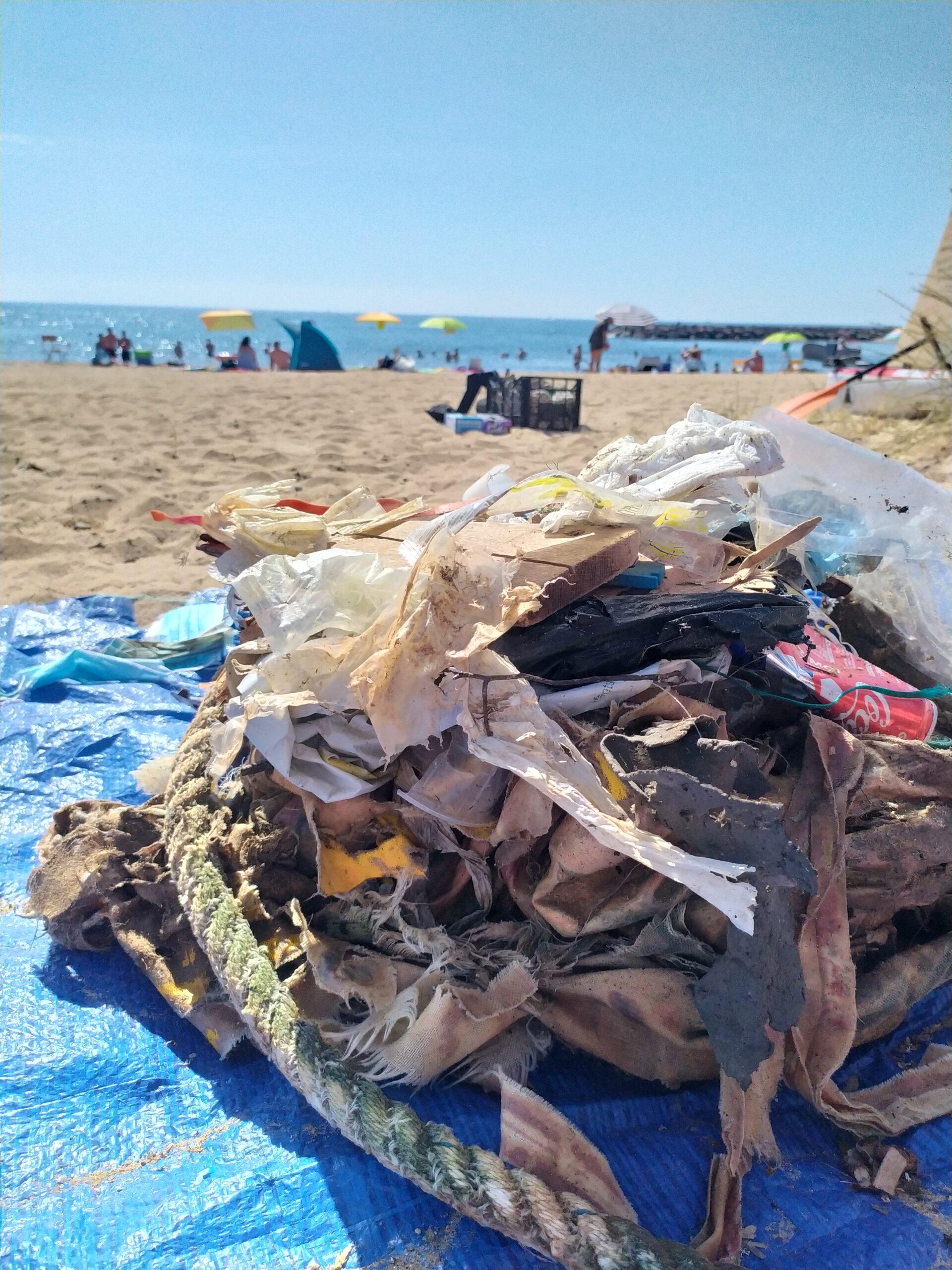 plastique_cordes_déchets_plage